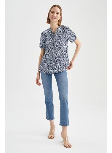 DeFacto Desenli Yaka Bağlama Detaylı Kısa Kol Bluz Lacivert